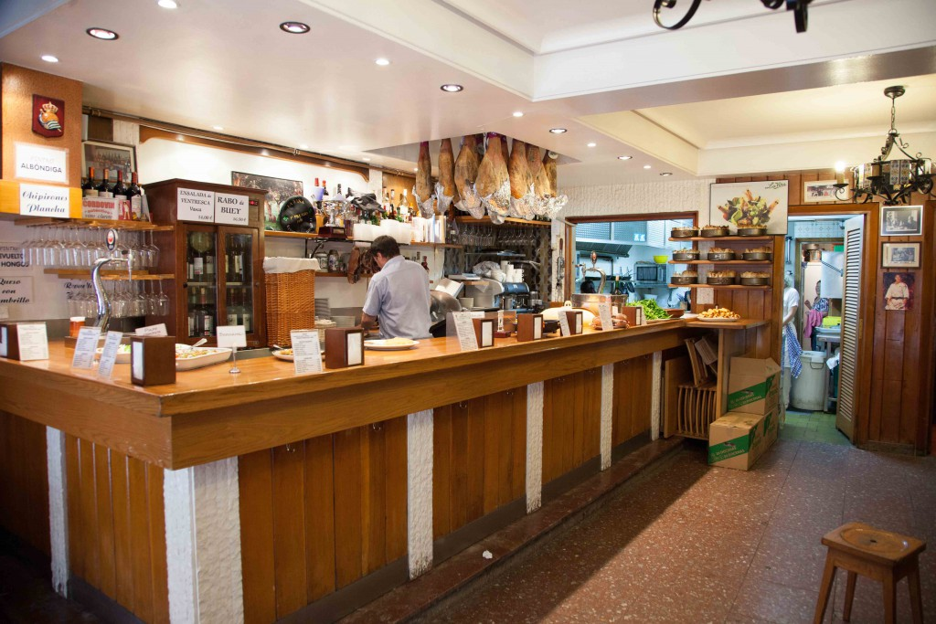 Counter at Bar La Vina