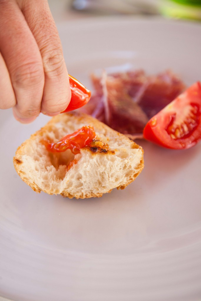 Pan con tomate with jamon Iberico bellota