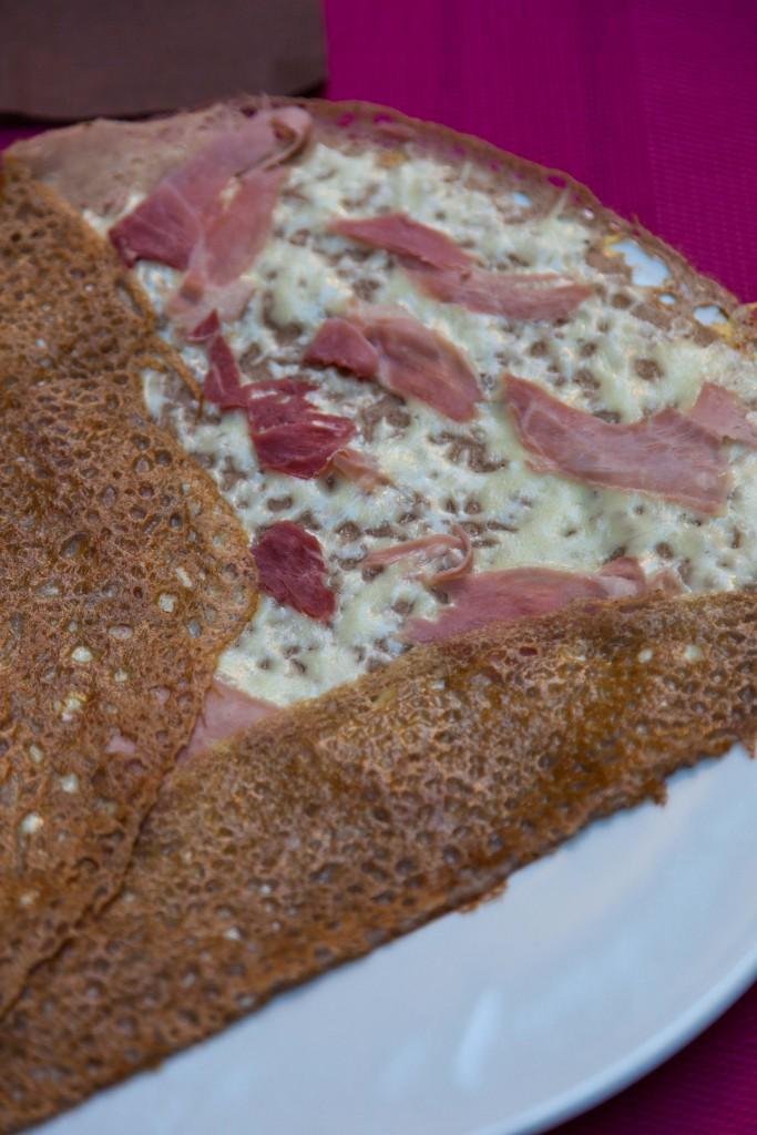 Buckwheat crepe with ham and cheese