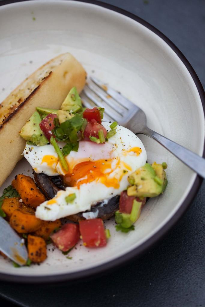 Poached egg, potobello, breakfast